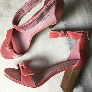 Jeffrey Campbell- Pink Velvet Bow Heels